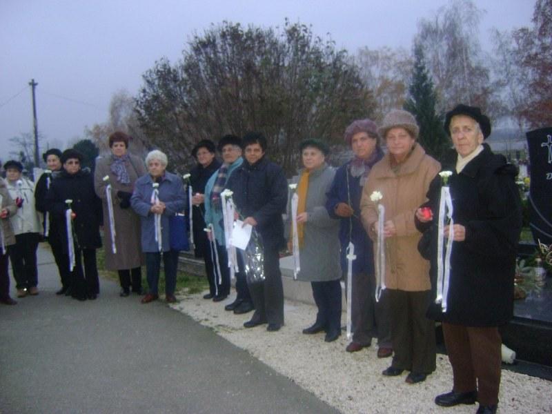 gyongyvirag003