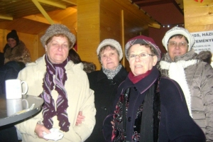 2015-12-23adventi vásáron, Máriakálnok, klubos betlehemezés, Bodajk